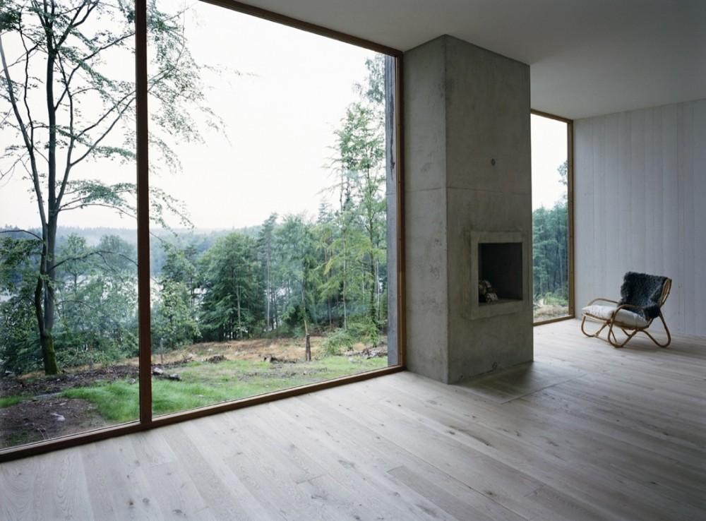 Фото коттеджей с большими окнами